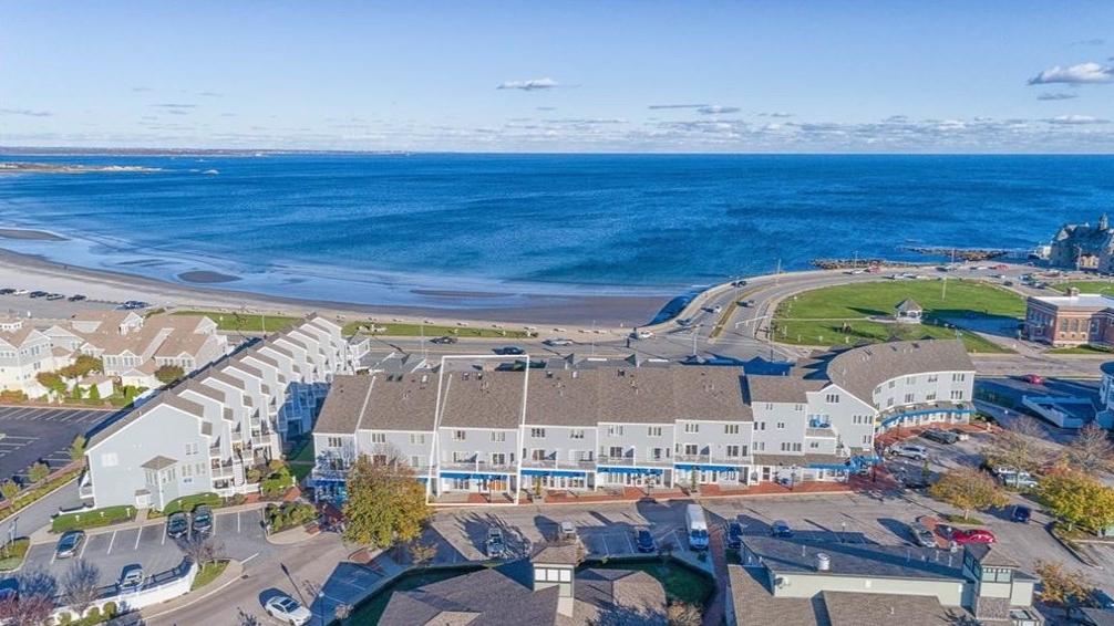10-10A Pier Market Place