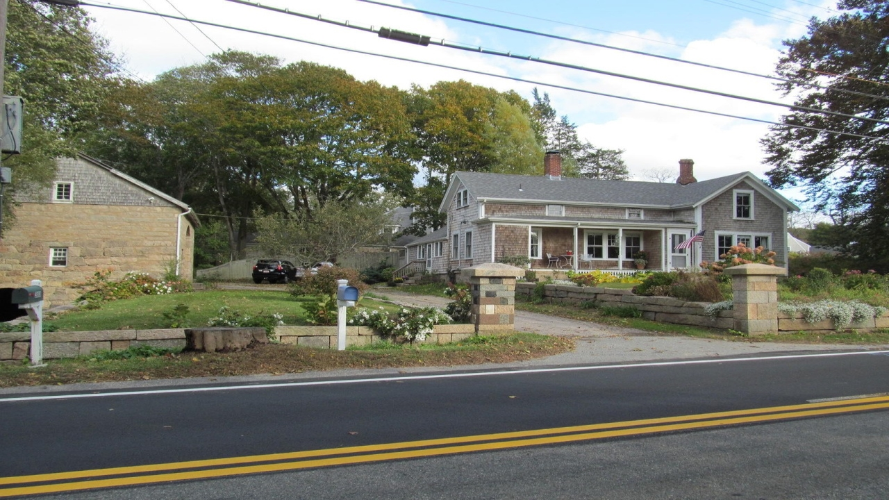 375 West Falmouth Highway
