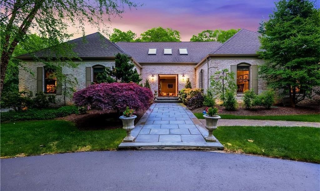 222 Country View Drive