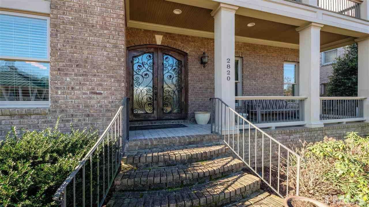 2820 Charleston Oaks Drive