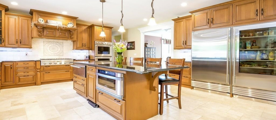 TOP 5 BEAUTIFUL HOMES WITH A LUXURY CHEF'S KITCHEN