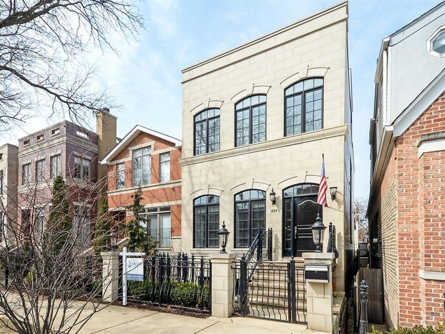 1638 North Hermitage Avenue