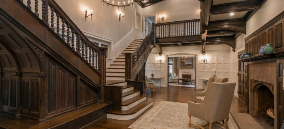 TOP 5 LISTINGS WITH A GRAND STAIRCASE