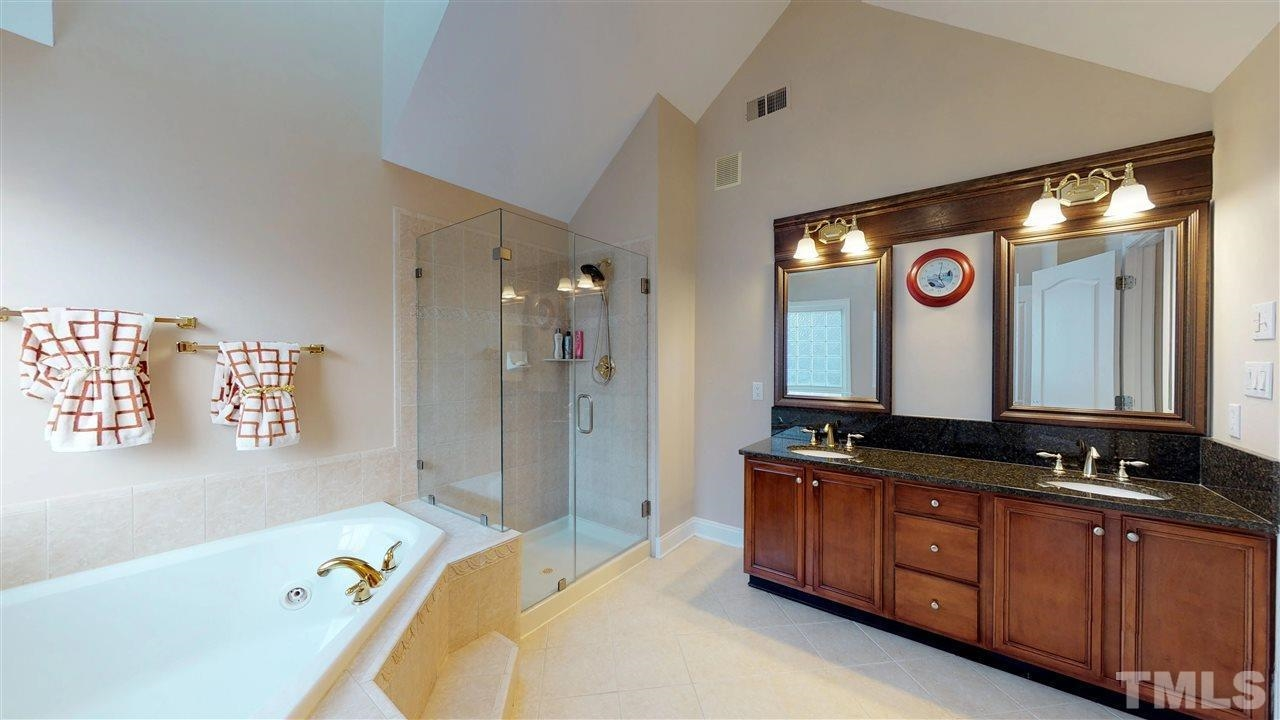 9200 Winged Thistle Court