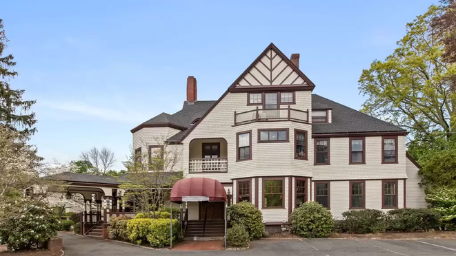 TOP 5 VICTORIAN STYLE LISTINGS