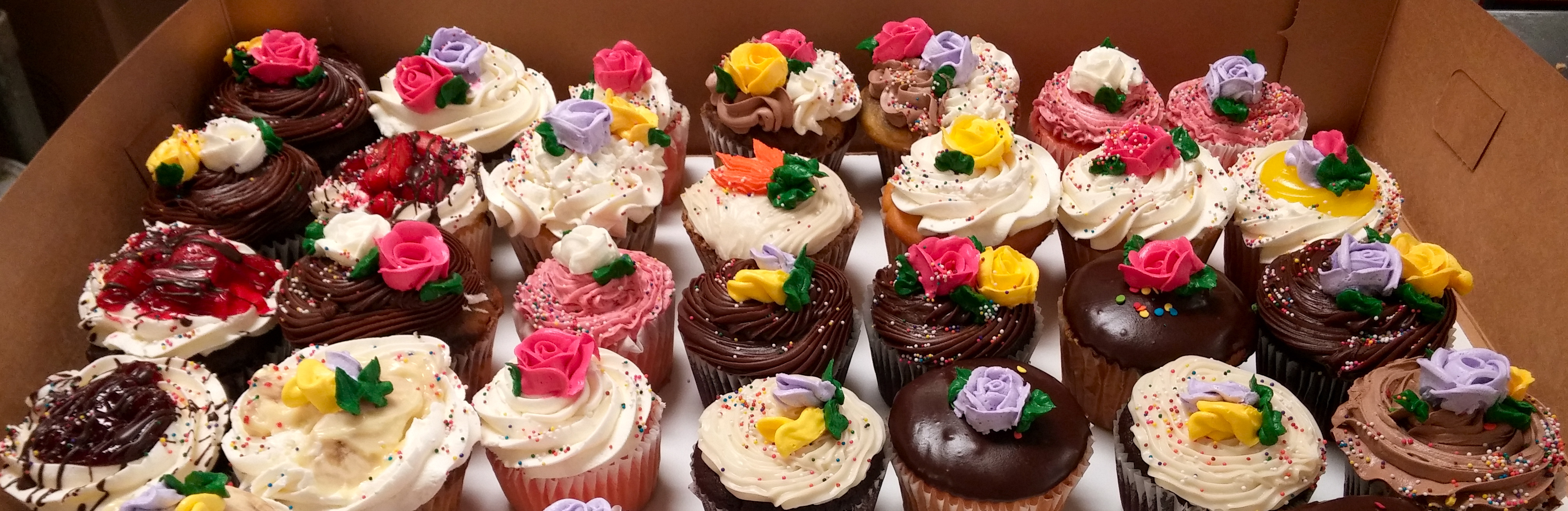 Fancy Large Cup Cakes
