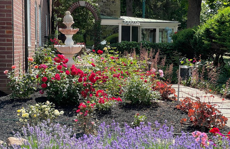 Rose Garden Fountain_4839.JPG