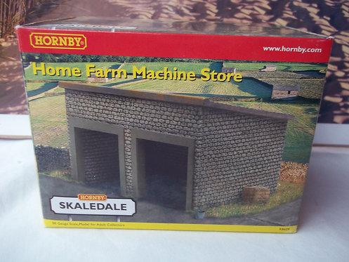 Hornby Home Farm Machine Store R8609 OOG/1:76