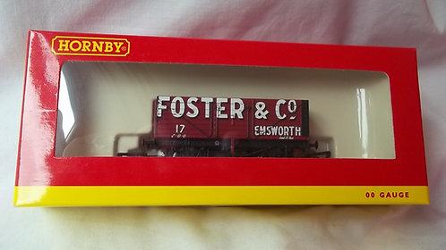 Hornby OO Gauge Foster & Co. 7 Plank Wagon