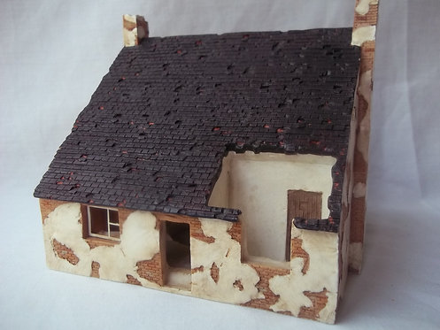 R8562 Hornby Skaledale Derelict House 1:76/ OO