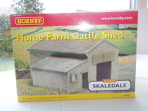 Hornby Home Farm Cattle Shed OOG/1:76