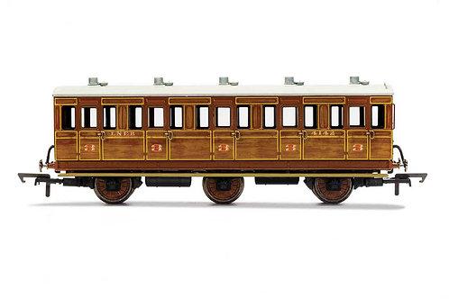 R40128A LNER 3rd Class 5 Door 6 wheel coach Oil lamps+step boards 4142-W/Lights