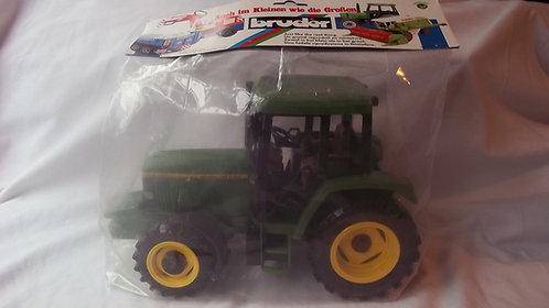 John Deere Bruder 1:16 Tractor  Model 6400