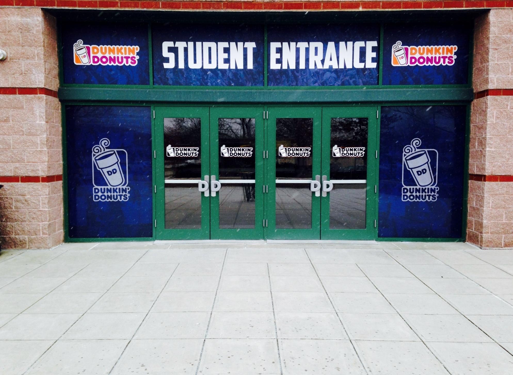 student-entrance.f1cb27a519bdb5b6ed34049a5b86e317