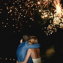 couple-admirant-feux-d'artifice.jpeg