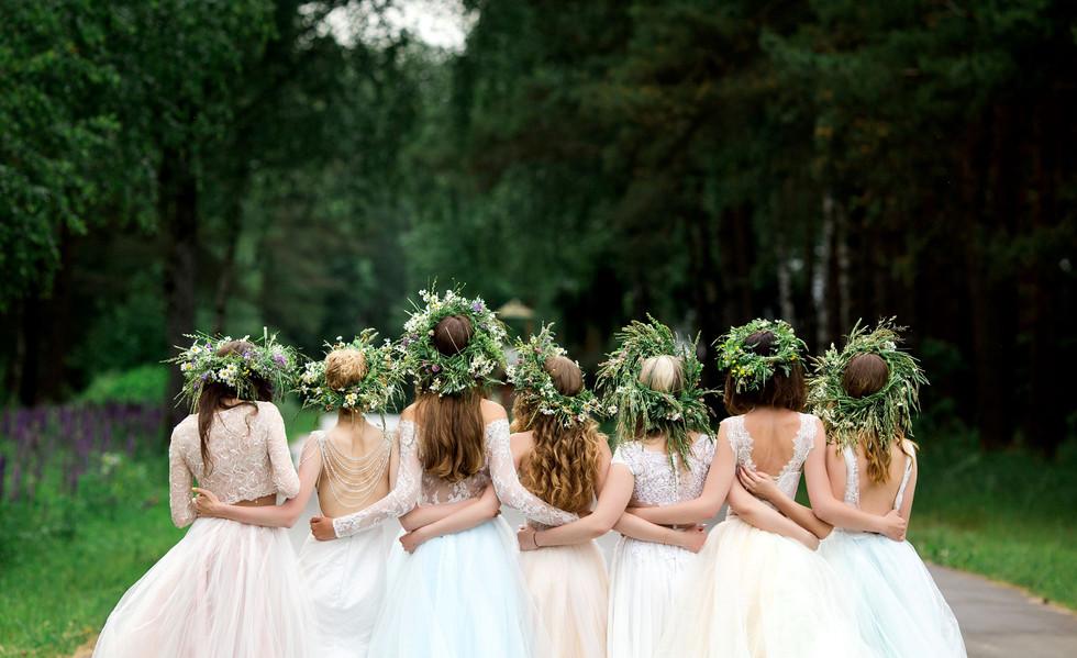 demoiselles-d'honneur-couronnes-de-fleur