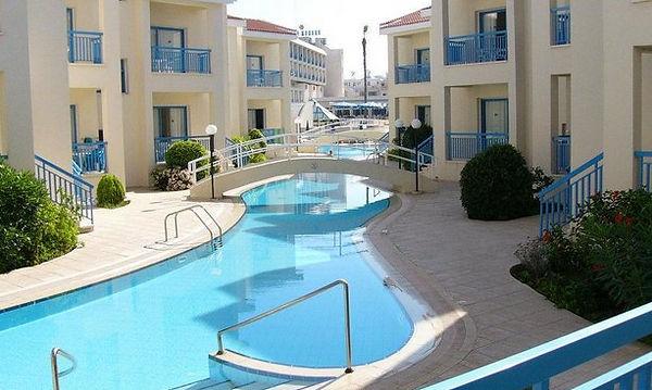 Kissos Hotel.jpg