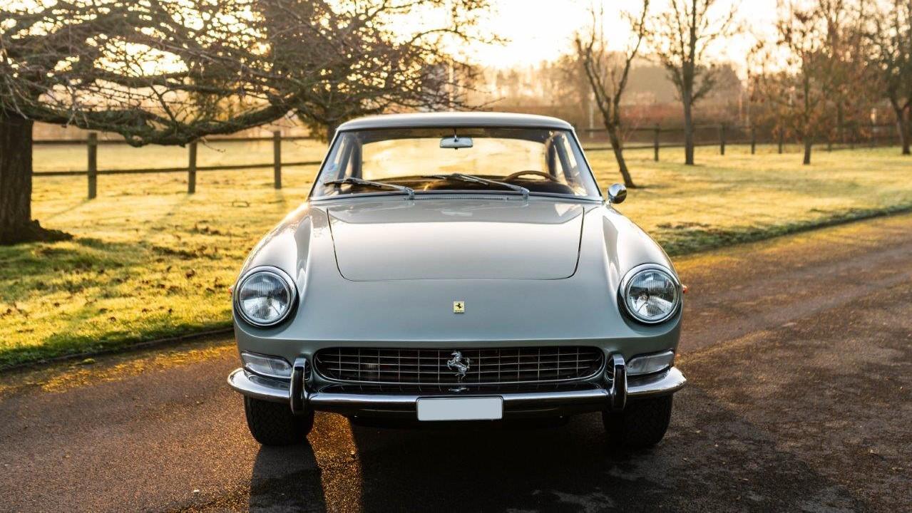 1967 330 GT 2+2 (7)