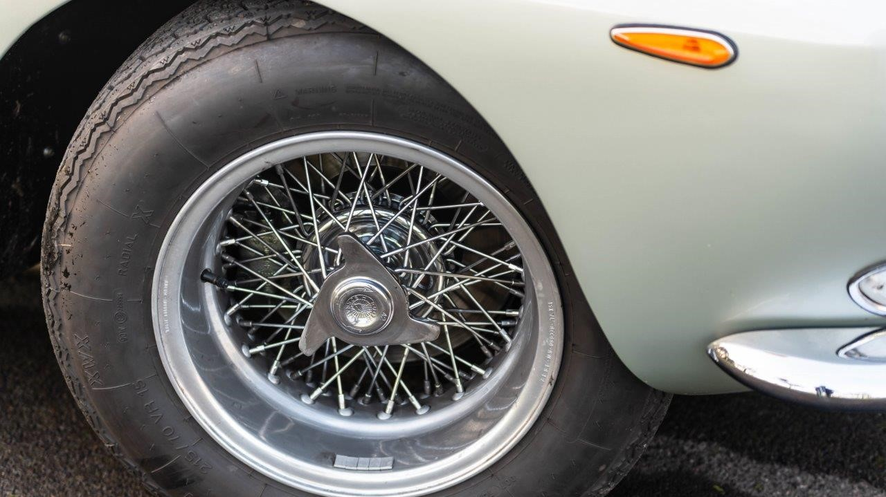 1967 330 GT 2+2 (26)