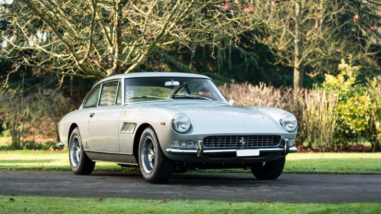 1967 330 GT 2+2 (23)