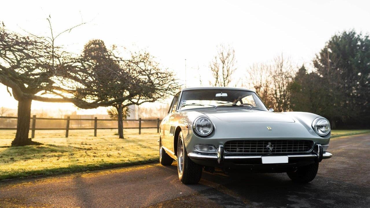 1967 330 GT 2+2 (6)