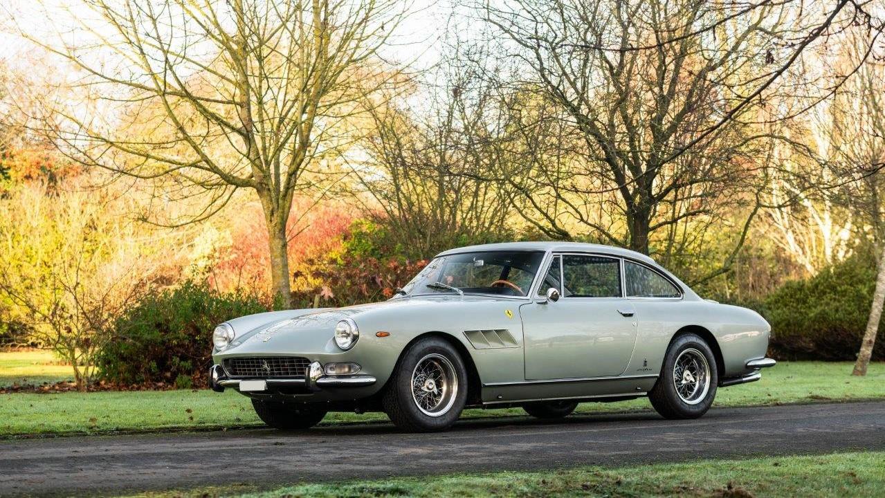 1967 330 GT 2+2 (11)