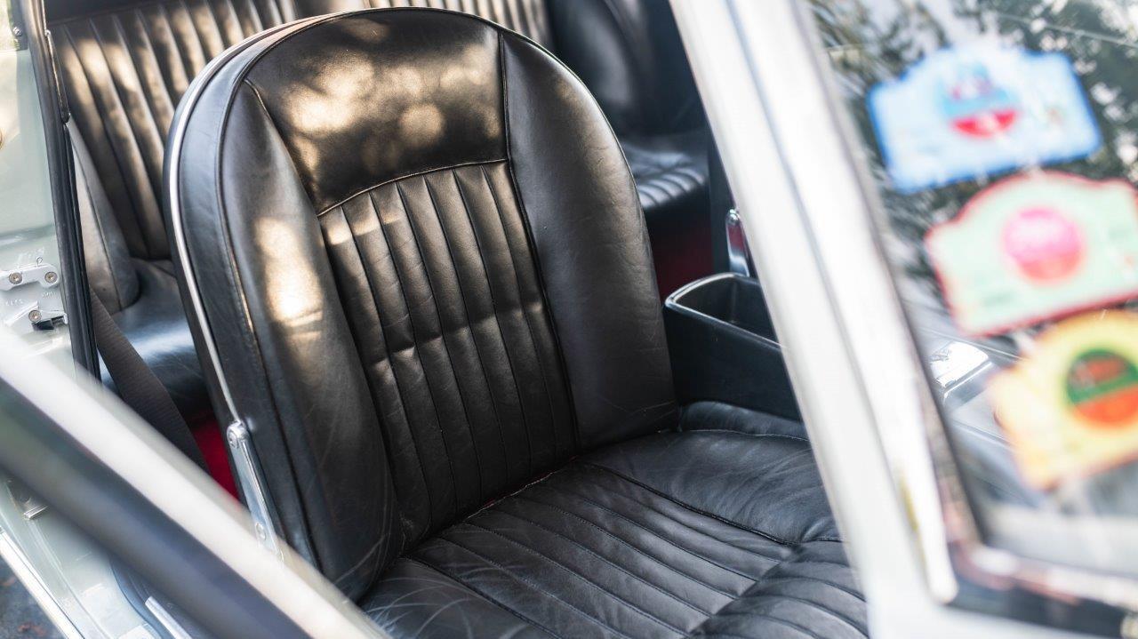 1967 330 GT 2+2 (30)
