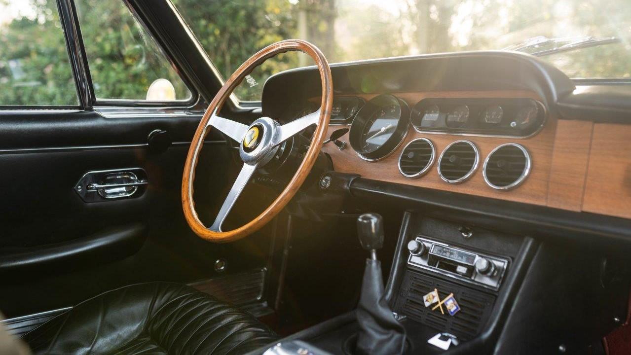 1967 330 GT 2+2 (28)