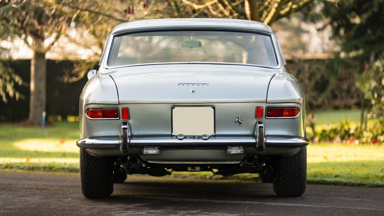 1967 330 GT 2+2 (21)