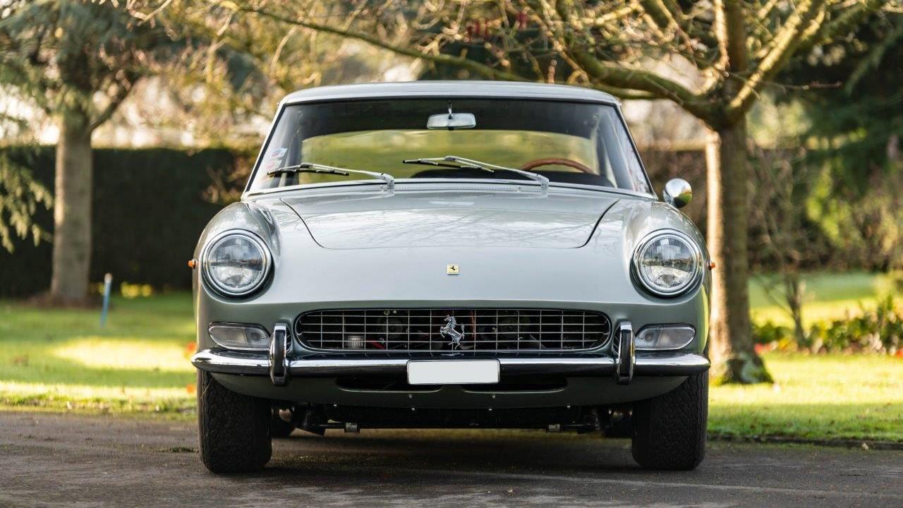1967 330 GT 2+2 (22)