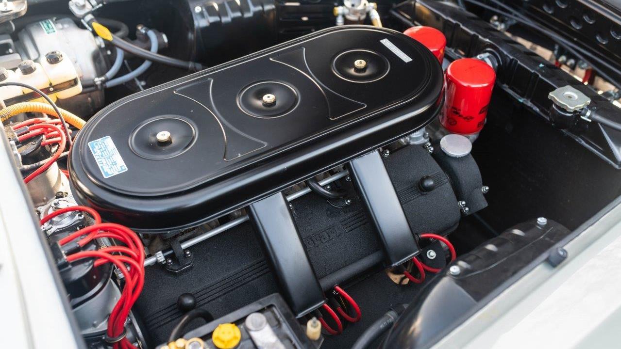1967 330 GT 2+2 (4)