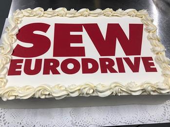 Sain kunnian tehdä kakkuja  Sew Eurodriv