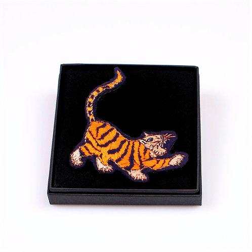Broche tigre roux broderie boite cadeau