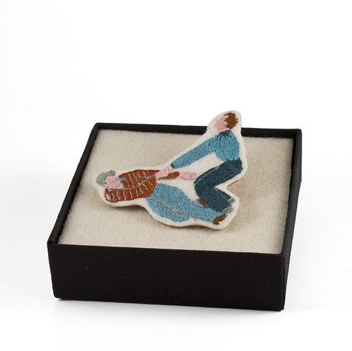 broderie contemporaine broche bijoux danseur rock secourisme