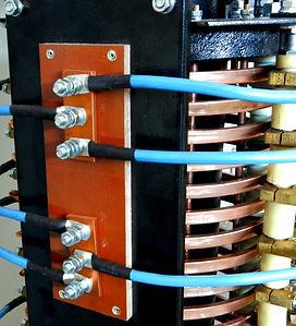 стойка крепления кабелей токоприемника