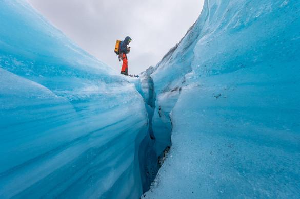 Blue ice on Bøverbreen