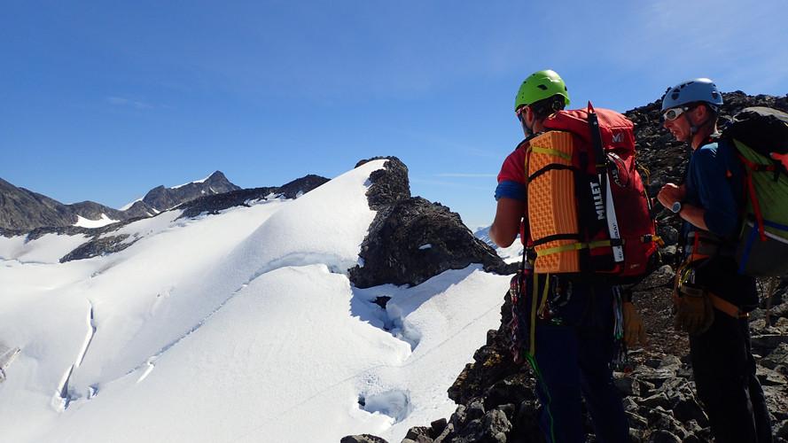 Tur til Skagsnebb, med utsikt over Smørstabbtindane