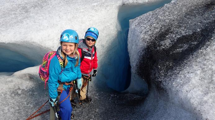 Children on a glacier tour