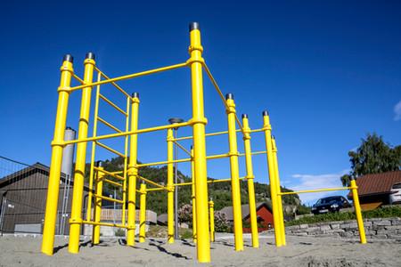 Den nyeaktivietsparken i Vågå innholder blandt annet et parkour-stativ