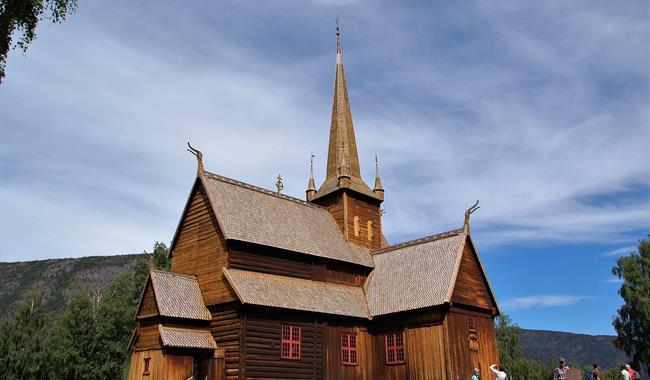 Lom-stavkirke-kirke