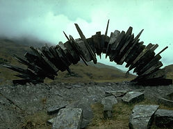 Andy-Goldsworthy-Stone-Sculpture.jpg