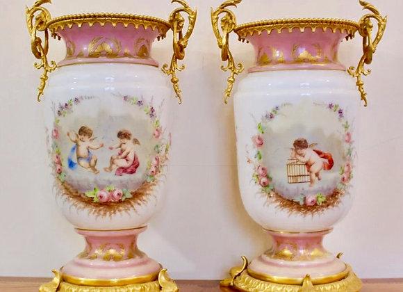 Paire de vases en Opaline-Cristal