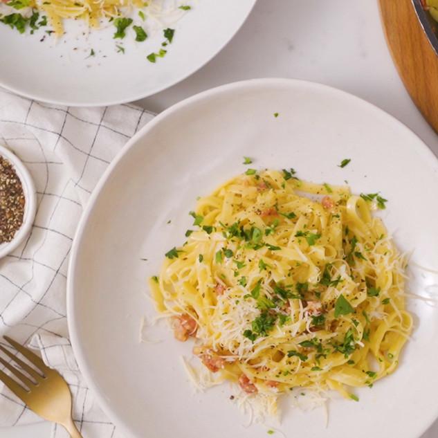 5-Ingredient Carbonara Pasta