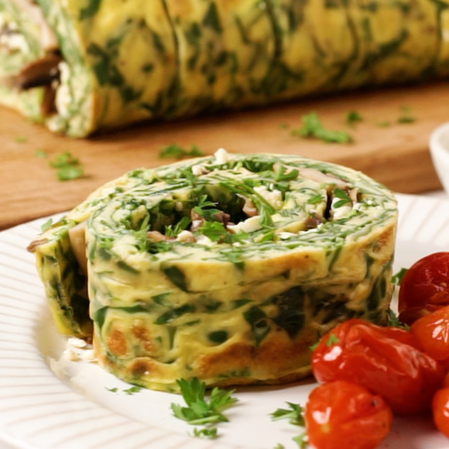 Spinach & Feta Omelette Roll-Up