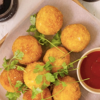 Caramelised Onion & Boerie Bites