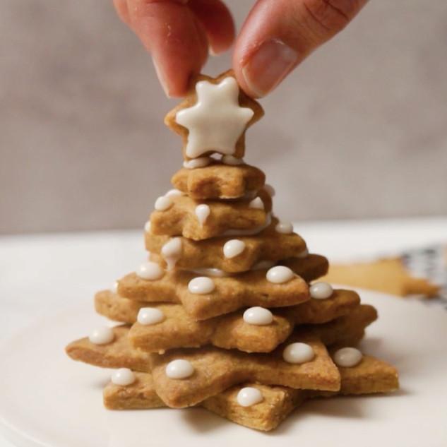 Festive Cookie Tree