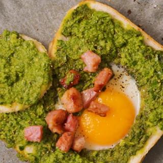 Easy Peasy Pesto Eggs