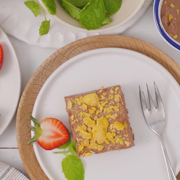 3-Ingredient Frozen Chocolate & Corn Flake Cheesecake