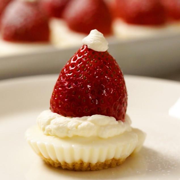 White Chocolate & Berry Festive 'Cheesecakes'