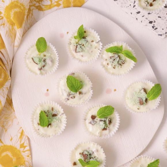 5-Ingredient Choc-Mint Cheesecakes